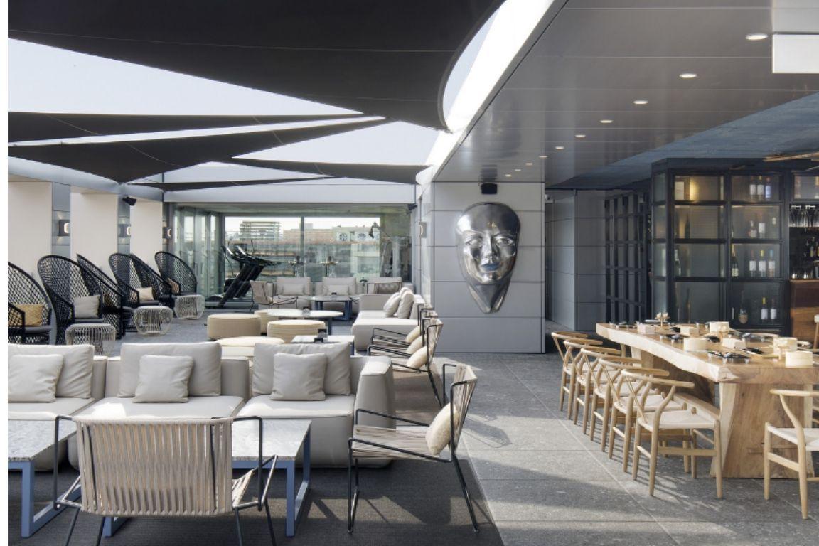 Atardecer en SB Hotel Glow con el mejor rooftop de Barcelona